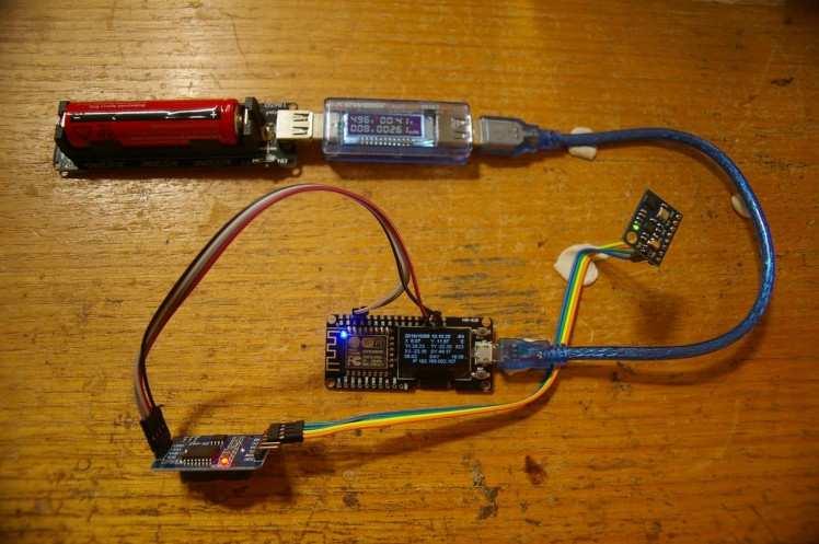 Working Solar Tracker Minus the H-Bridge Board - 80ma @ 5V Sweet !!