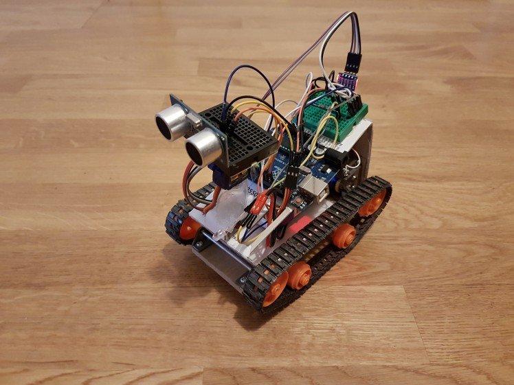 Crakobot arduino robot with manual and autopilot modes